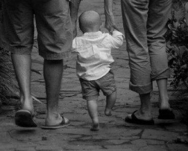 Educar não é impor um caminho, é ensinar a caminhar