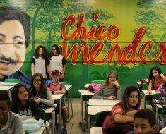Grafites em salas de aula de escola em Guarulhos homenageiam personalidades brasileiras