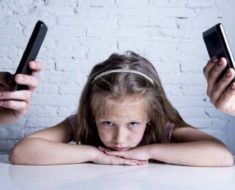 Prestar mais atenção no celular do que no seu filho tem consequências