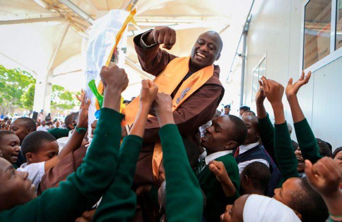O melhor professor do mundo está em uma aldeia remota no Quênia