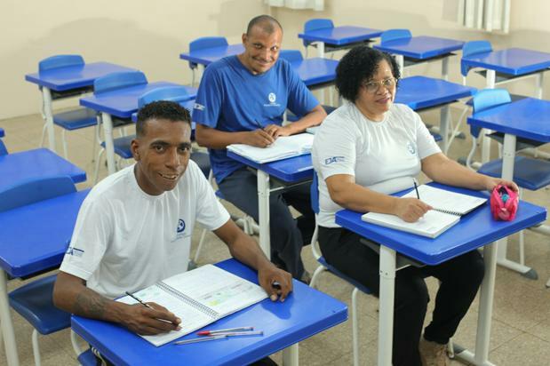 Alfabetização, mesmo tardia, é aliada da cidadania, da dignidade e da saúde
