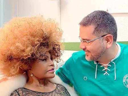 Mocidade homenageia professores a pedido de Elza Soares, a 'dona' do enredo