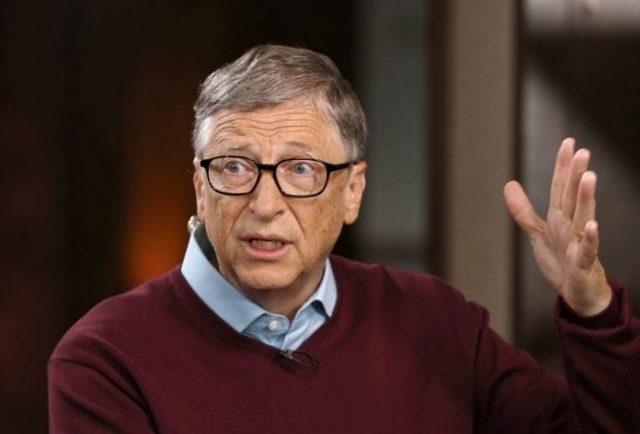 Não podemos ignorar a pilha de corpos, alerta Bill Gates sobre quarentena