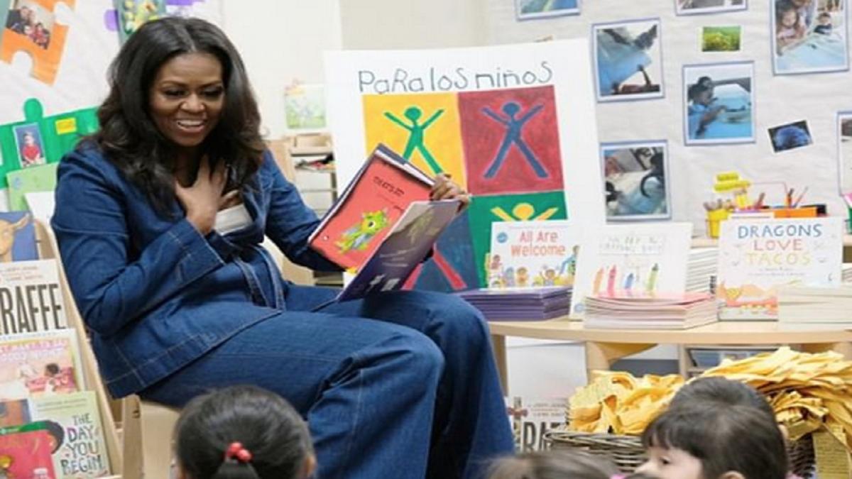 Michelle Obama ex-primeira dama lê livros para crianças em lives durante quarentena