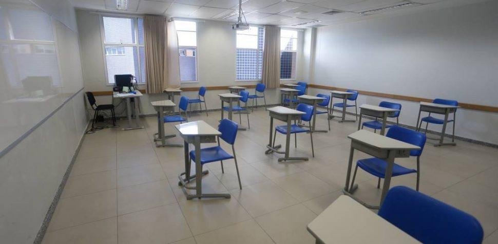 Professores da rede particular se recusam a voltar às aulas presenciais neste momento